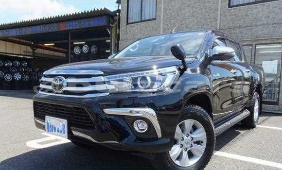 Buy Used Toyota Hilux Black Car in Suva in Central