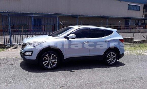 Buy Used Hyundai Santa Fe White Car in Suva in Central