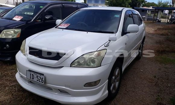 Buy Used Toyota Harrier White Car in Lautoka in Western