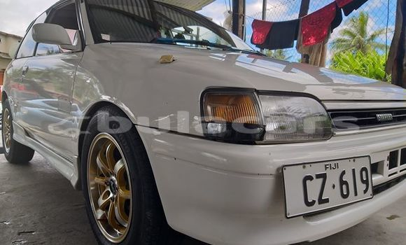 Buy Used Toyota Starlet White Car in Suva in Central