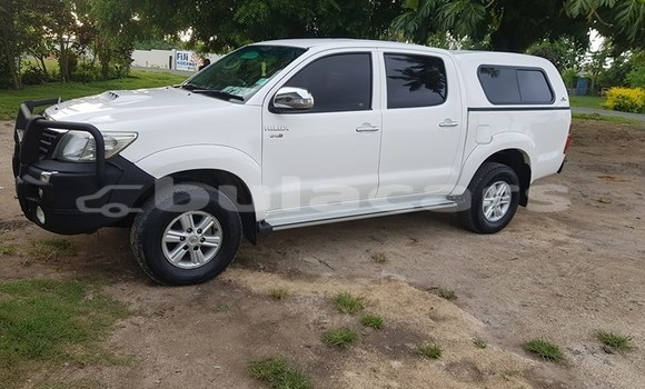 Buy Used Toyota Hilux White Car in Lautoka in Western