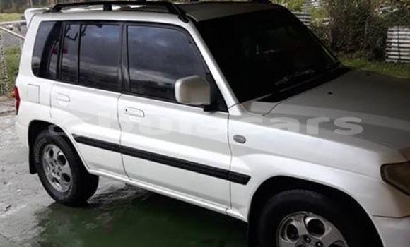 Buy Used Mitsubishi Pajero Junior White Car in Lautoka in Western