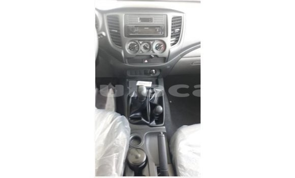 Buy Import Mitsubishi L200 White Car in Import - Dubai in Central