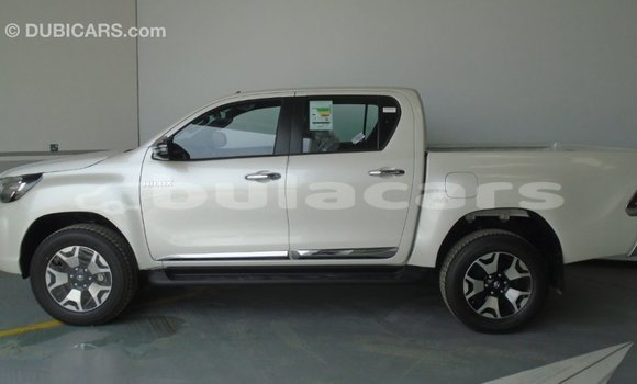 Buy Import Toyota Hilux White Car in Import - Dubai in Central