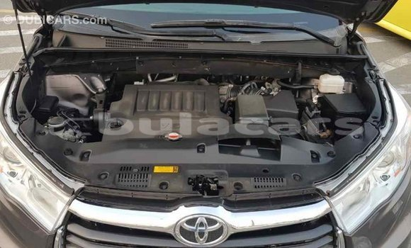 Buy Import Toyota Highlander Grey Car in Import - Dubai in Central