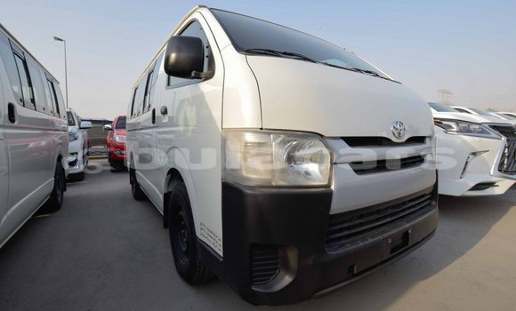 Medium with watermark toyota hiace central import dubai 5169