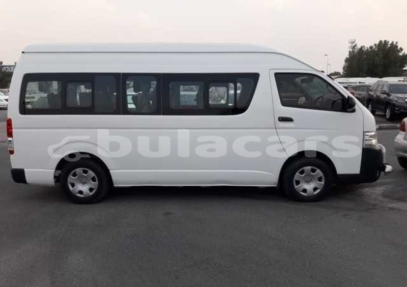 Big with watermark toyota grand hiace central suva 5351