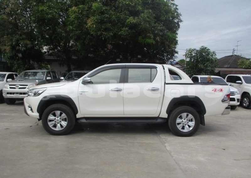 Big with watermark toyota hilux central suva 5354