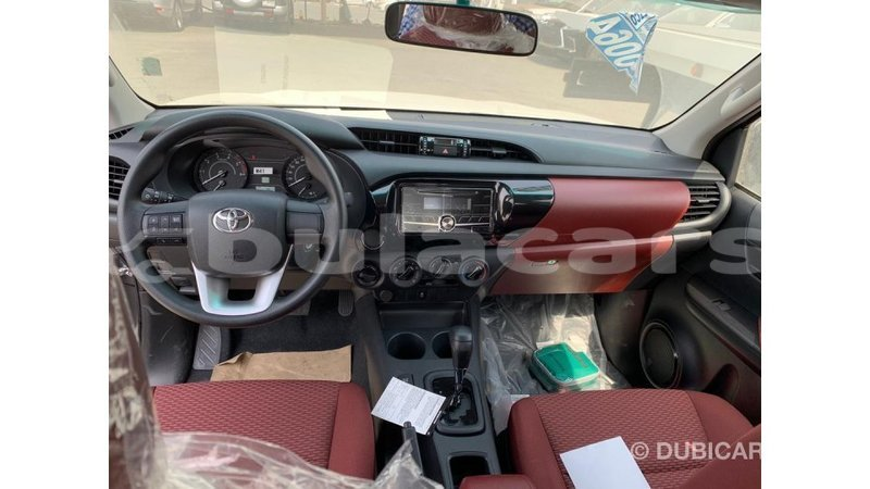 Big with watermark toyota hilux central import dubai 5407