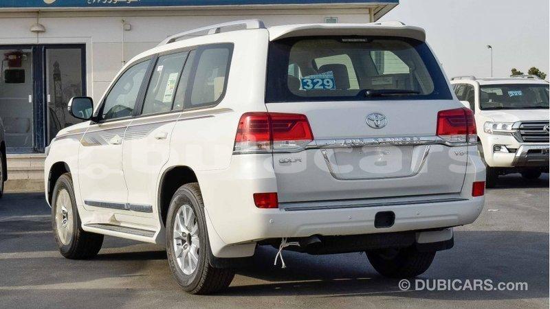 Big with watermark toyota land cruiser central import dubai 5679