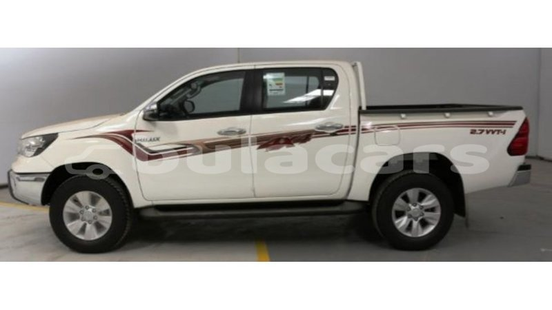 Big with watermark toyota hilux central import dubai 5827