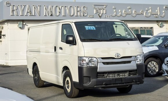 Medium with watermark toyota hiace central import dubai 5888