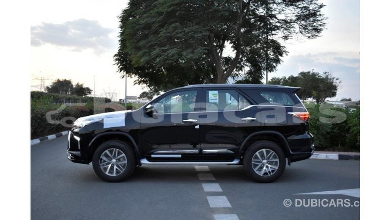 Big with watermark toyota fortuner central import dubai 7103