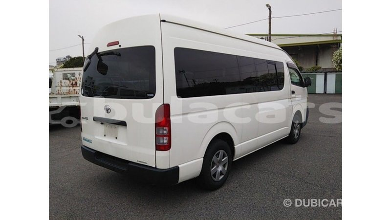 Big with watermark toyota hiace central import dubai 7504