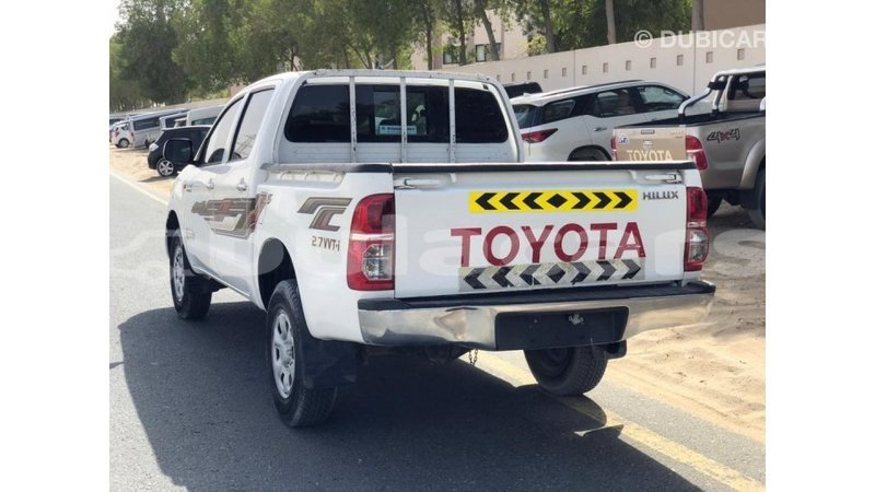 Big with watermark toyota hilux central import dubai 7706