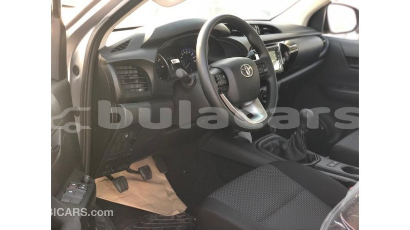 Big with watermark toyota hilux central import dubai 7794
