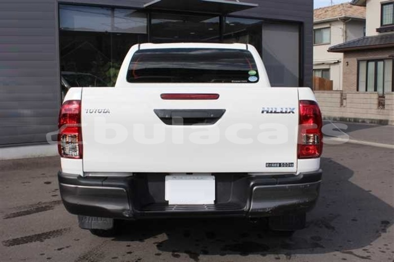 Big with watermark toyota hilux central suva 7914