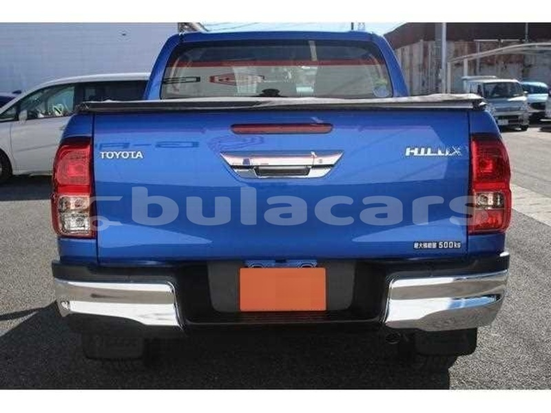 Big with watermark toyota hilux central suva 8004