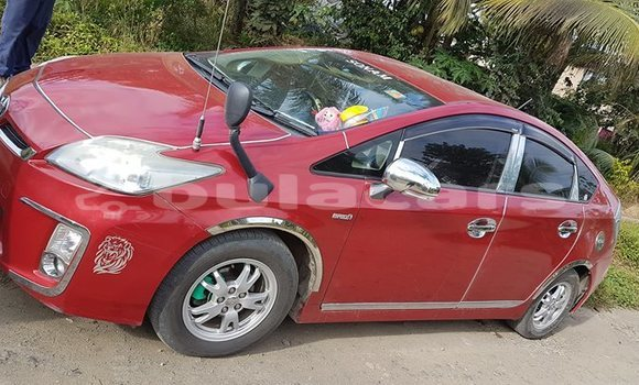 Buy Used Toyota Prius Red Car in Suva in Central