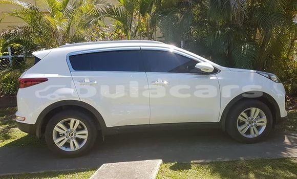 Buy Used Kia Sportage White Car in Nadi in Western