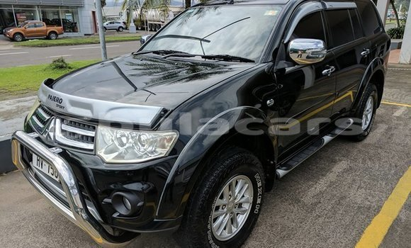 Buy Used Mitsubishi Pajero Black Car in Suva in Central