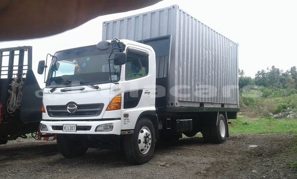 Buy Used Hino 500 White Truck in Nasinu in Central