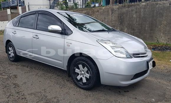 Buy Imported Toyota Prius Silver Car in Lautoka in Western
