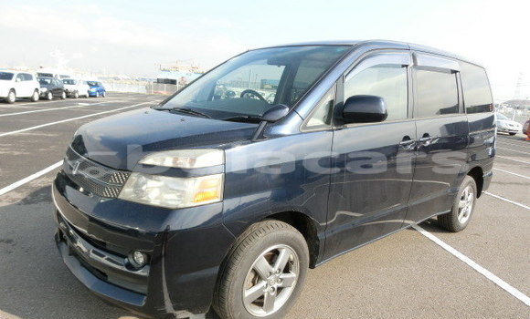 Buy Used Toyota Voxy Blue Car in Nadi in Western