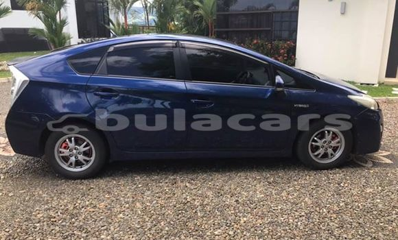 Buy Used Toyota Prius Blue Car in Nadi in Western