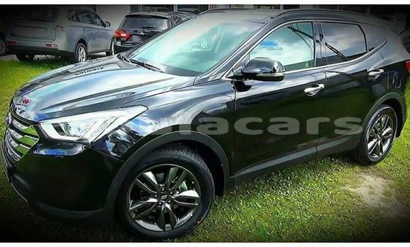 Buy Used Hyundai Santa Fe Black Car in Suva in Central