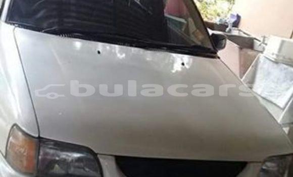 Buy Used Toyota Starlet White Car in Suva in Central